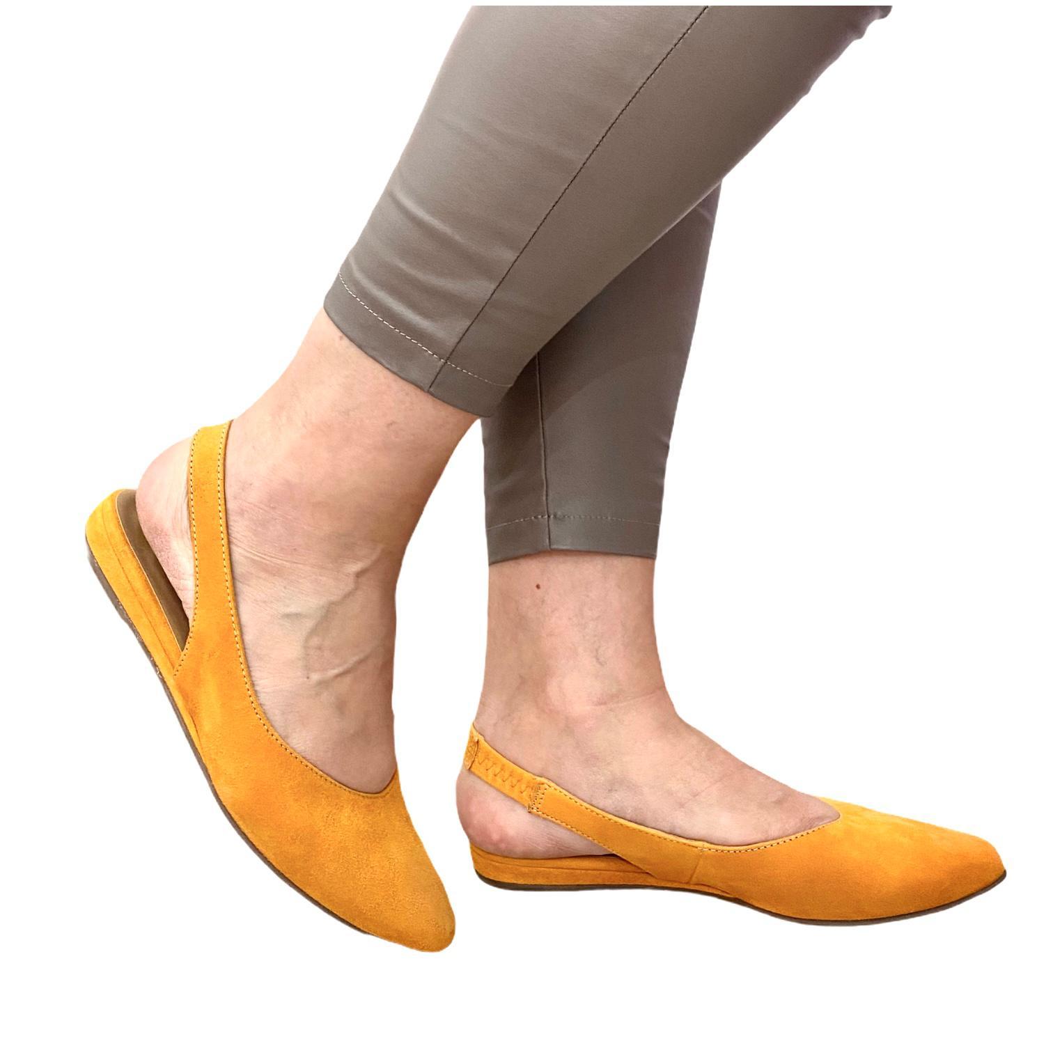 Pantofi Tamaris galbeni decupati in spate