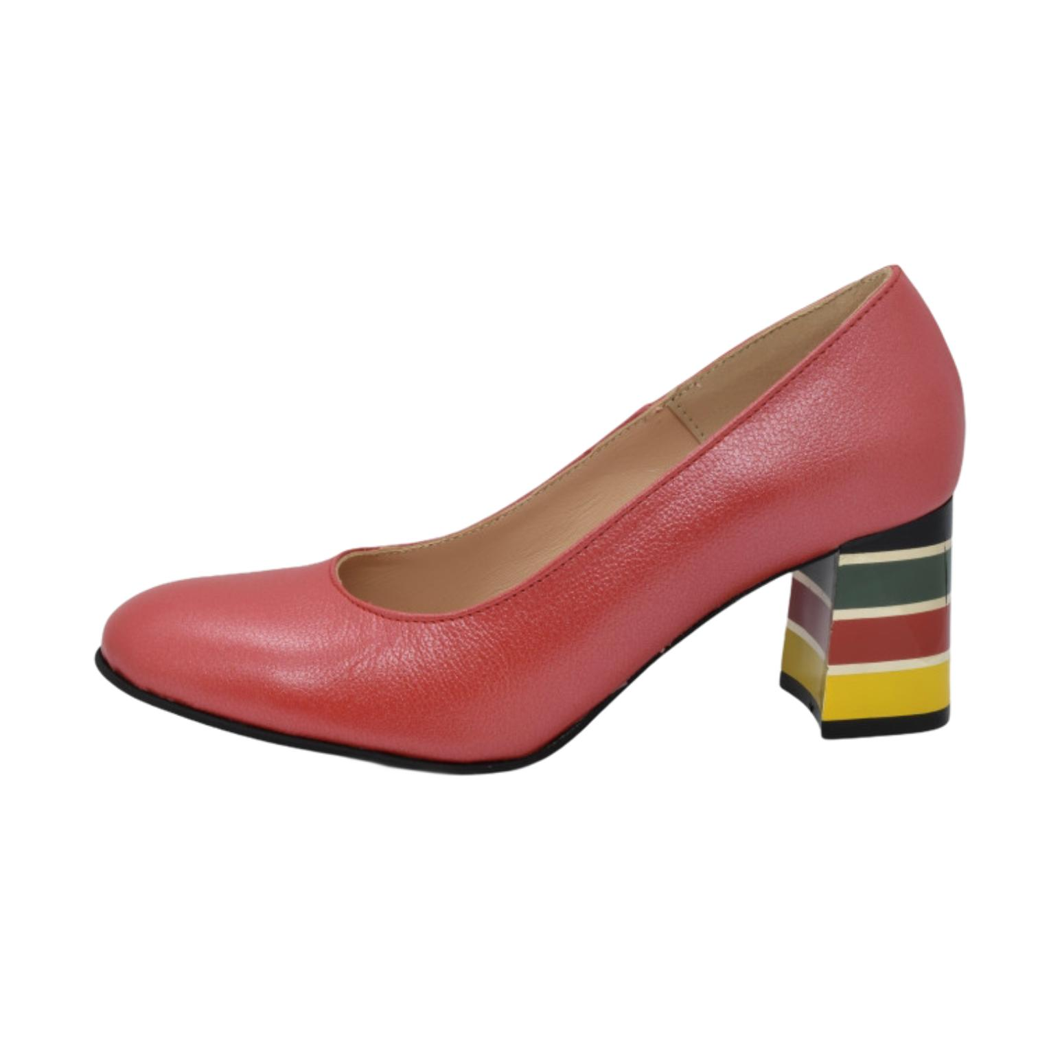 Pantofi rosii cu toc colorat