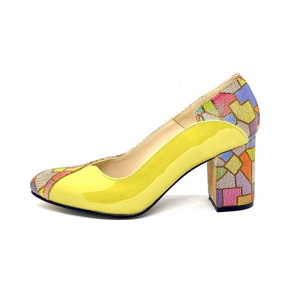 Pantofi verzi galbui cu model colorat