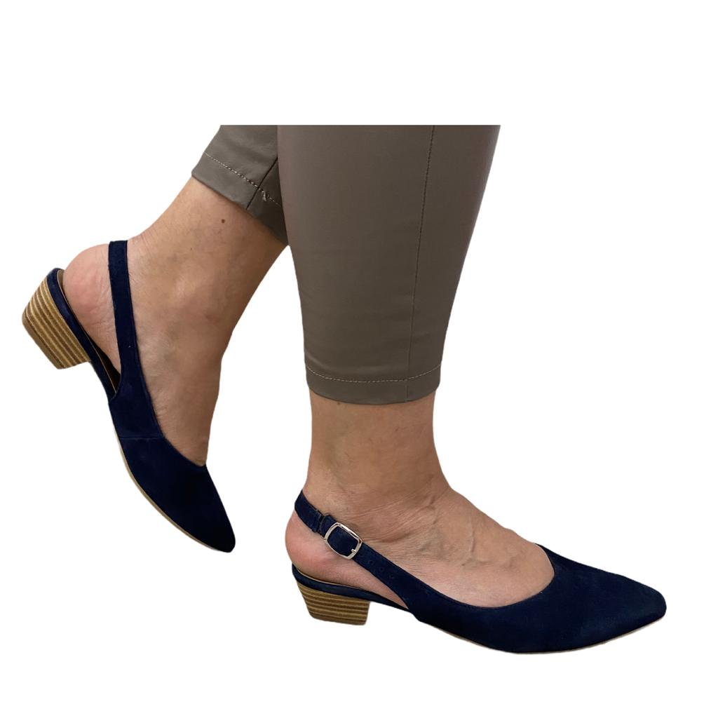 Pantofi Tamaris bleumarin cu toc decupati in spate