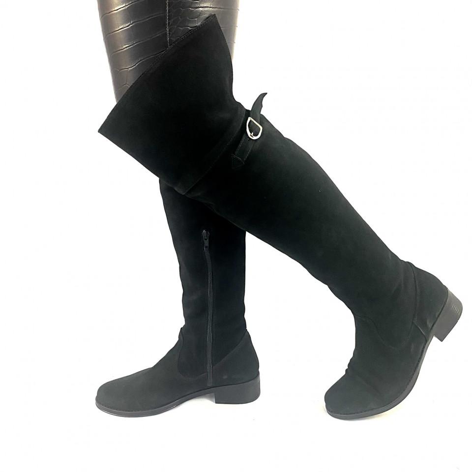 Cizme negre velur cu catarama