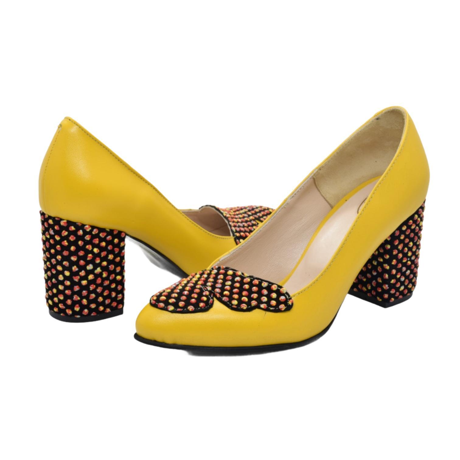 Pantofi galbeni cu accesoriu si toc cu aplicatii sferice