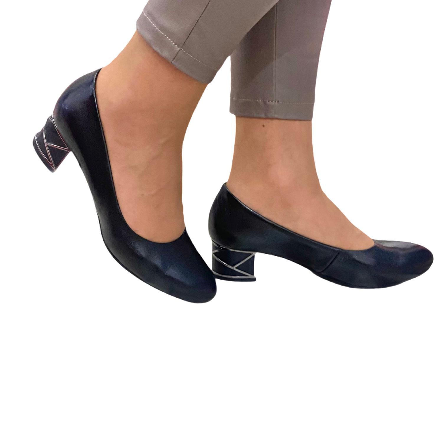 Pantofi Kordel negri cu toc cu model metalic