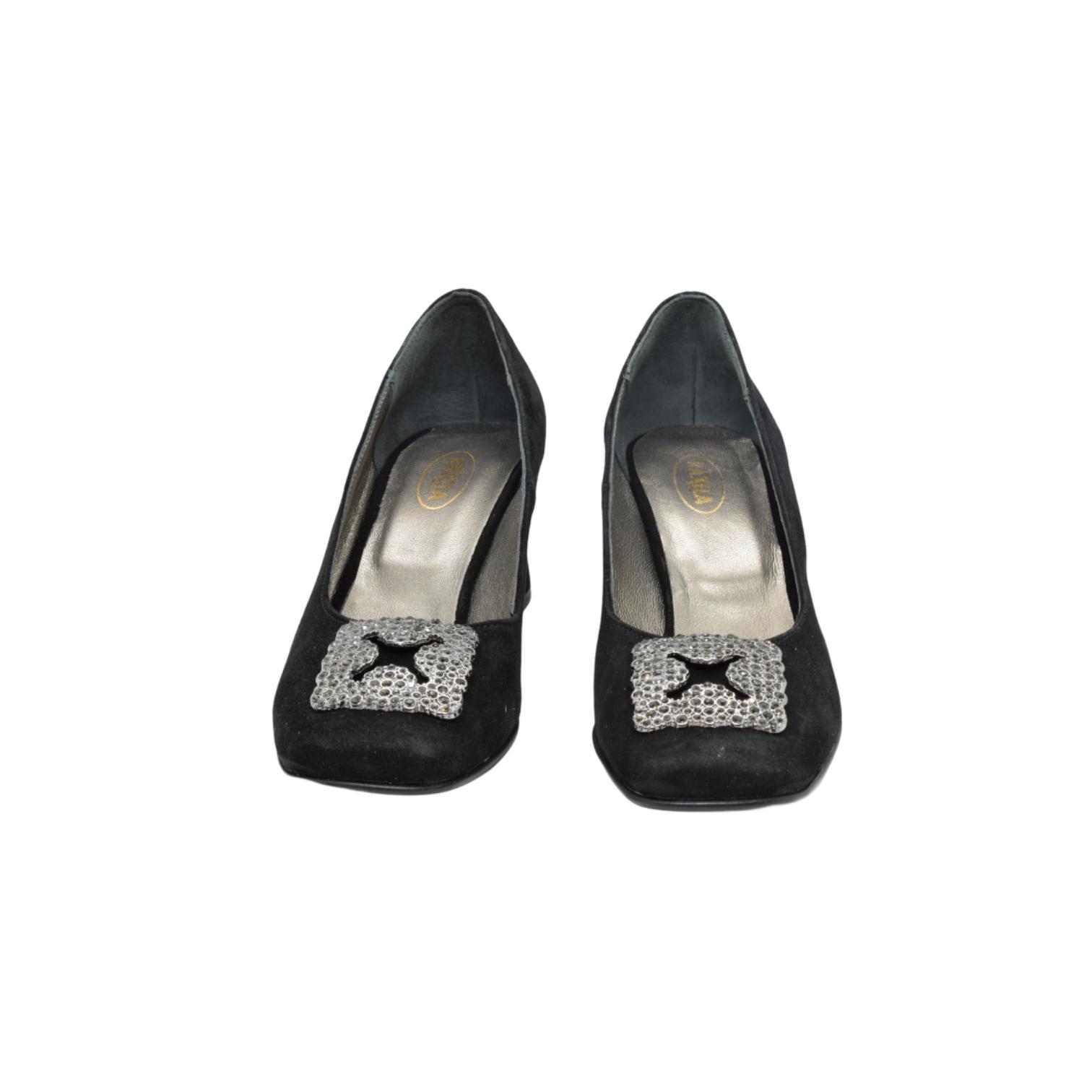Pantofi negri cu accesoriu metalic