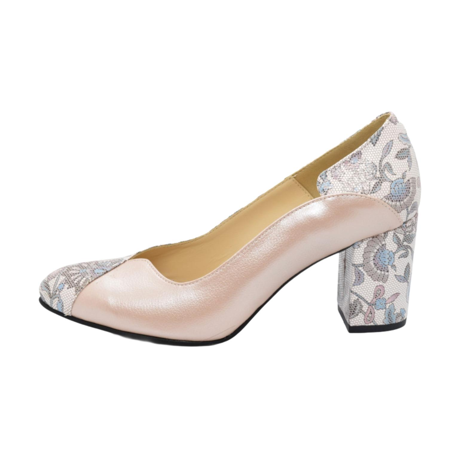 Pantofi pudra cu model floral