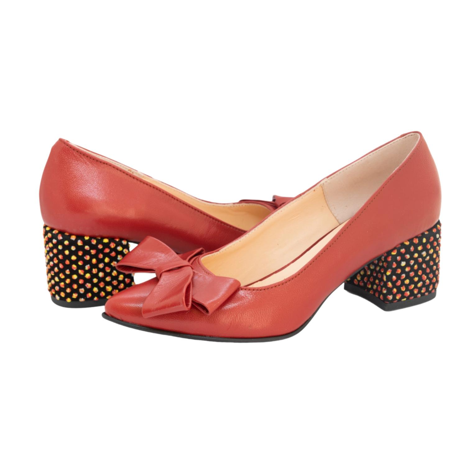 Pantofi rosii cu fundita si toc cu aplicatii sferice