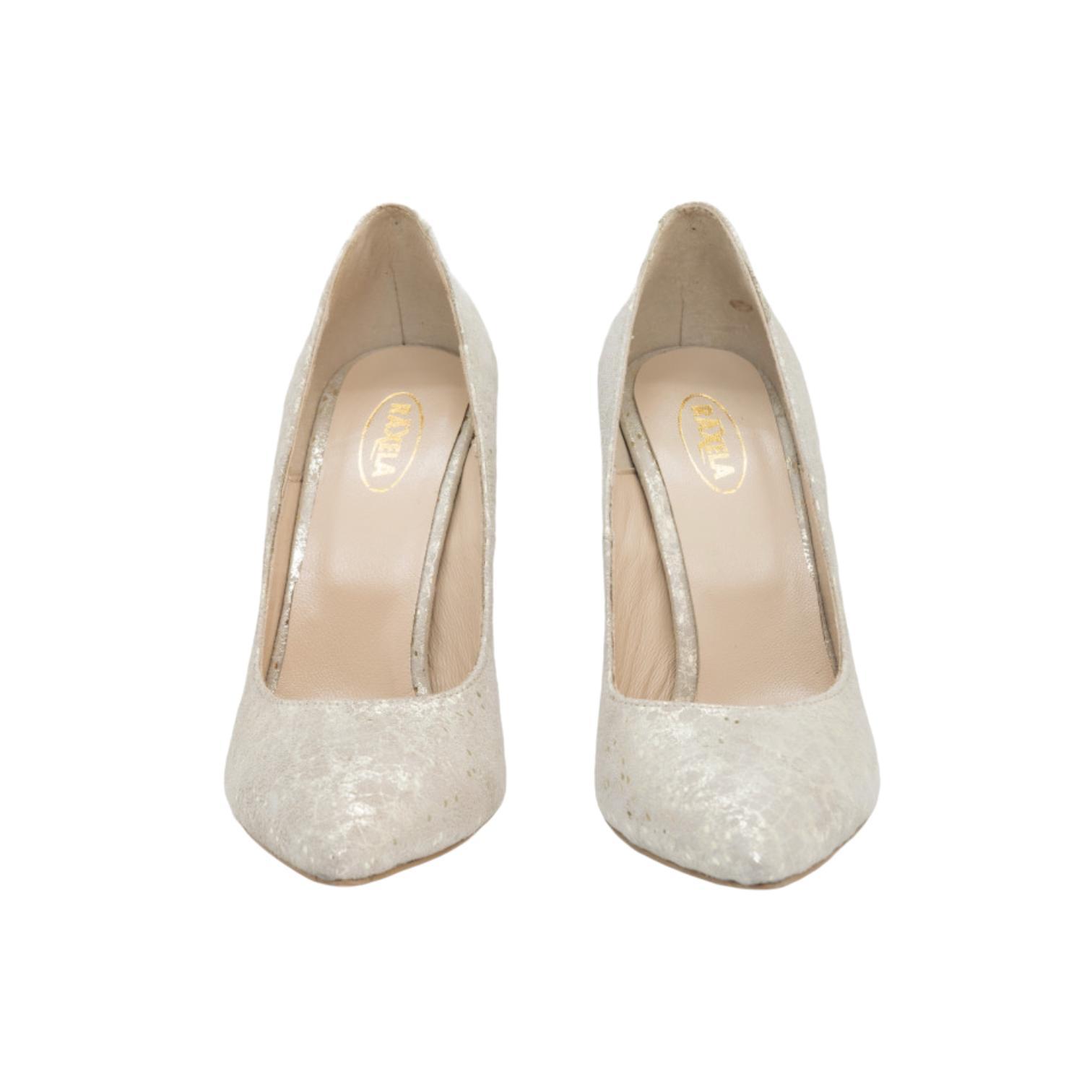 Pantofi aurii cu imprimeu abstract
