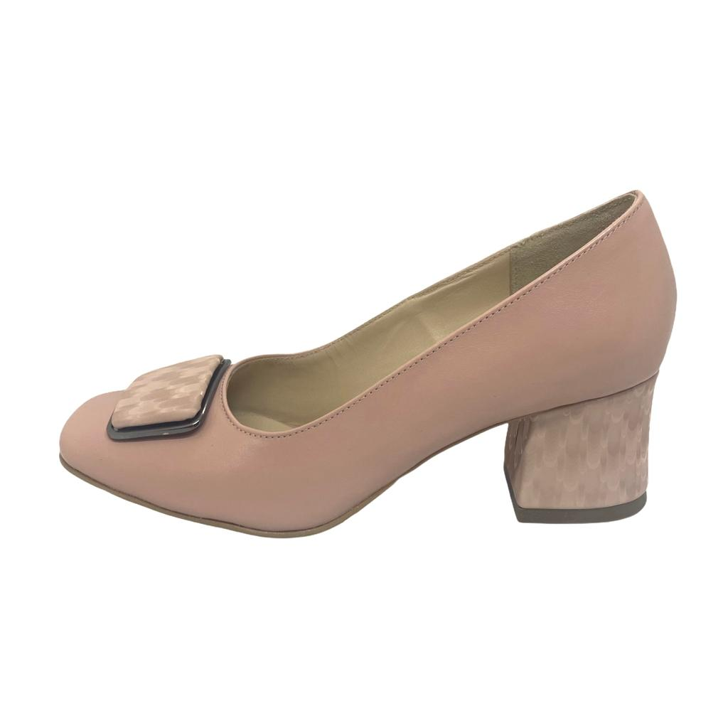 Pantofi nude cu accesoriu si toc cu model
