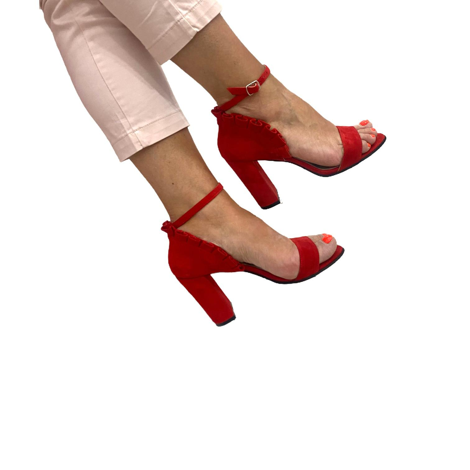 Sandale rosii cu volanase