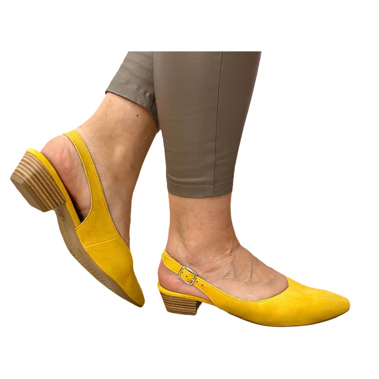 Pantofi Tamaris galbeni cu toc decupati in spate