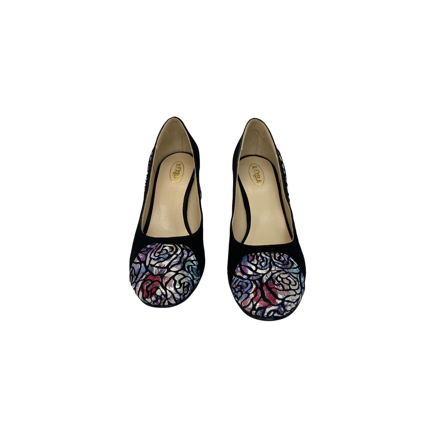 Pantofi negri cu detalii colorate