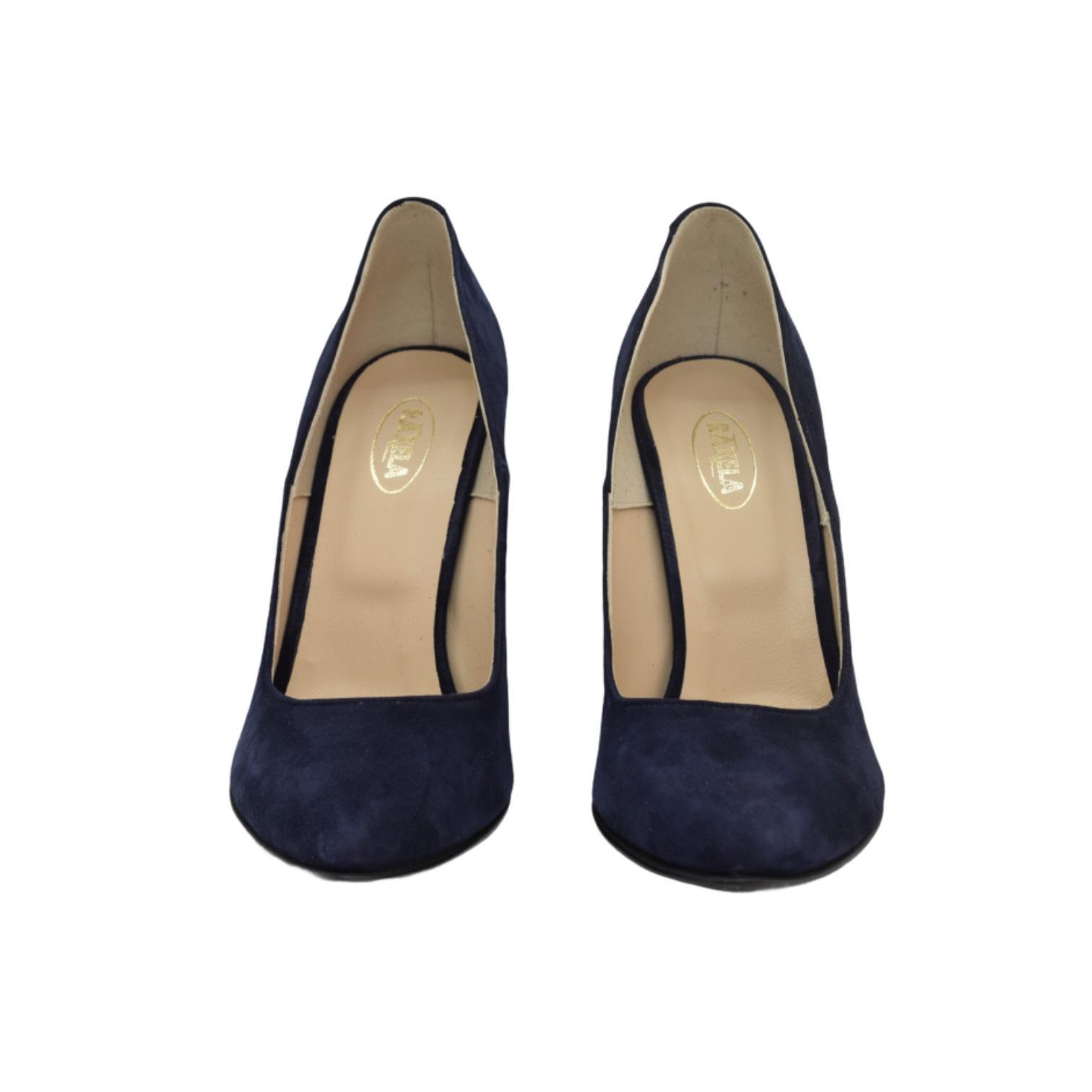 Pantofi bleumarin cu toc cu aplicatii sferice