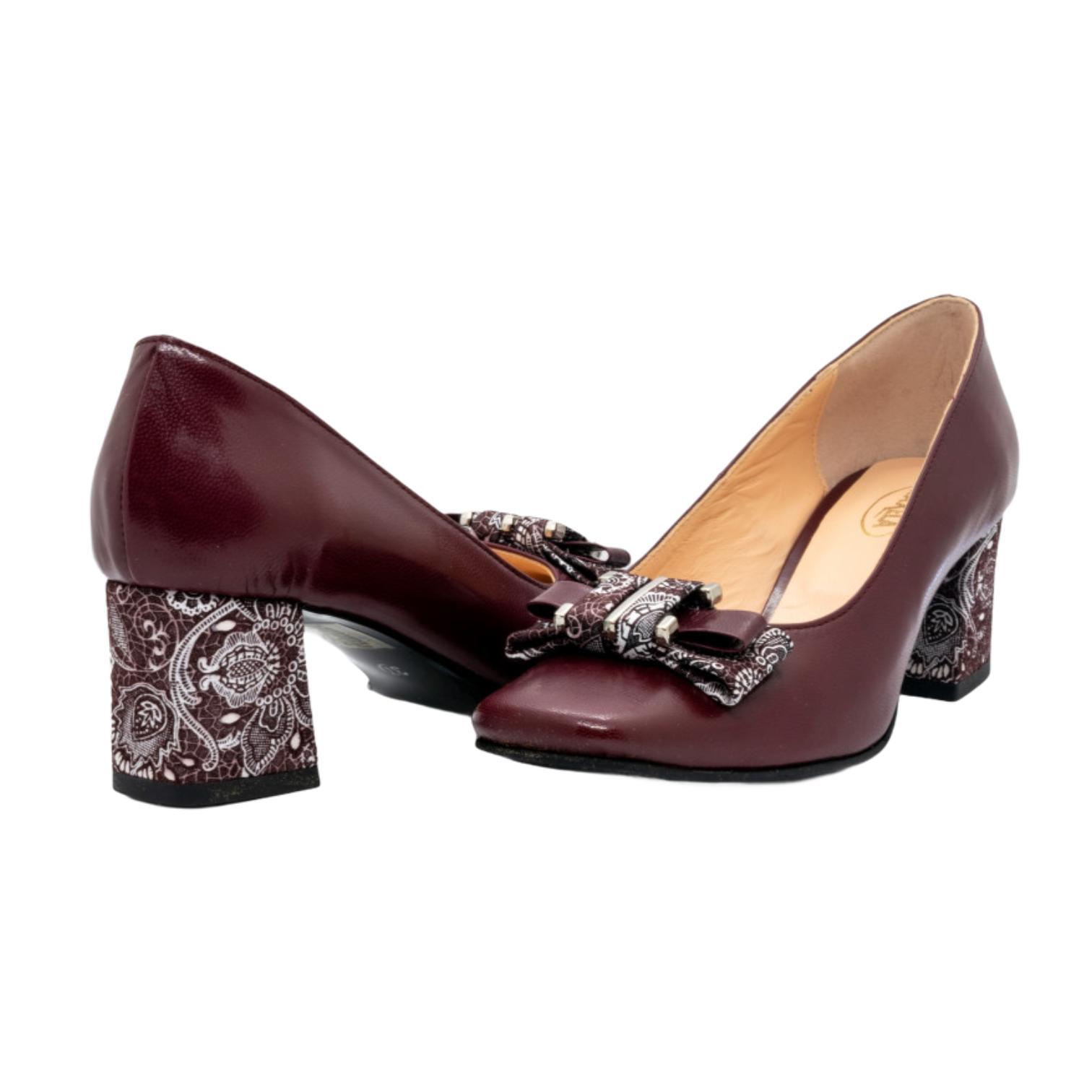 Pantofi bordo