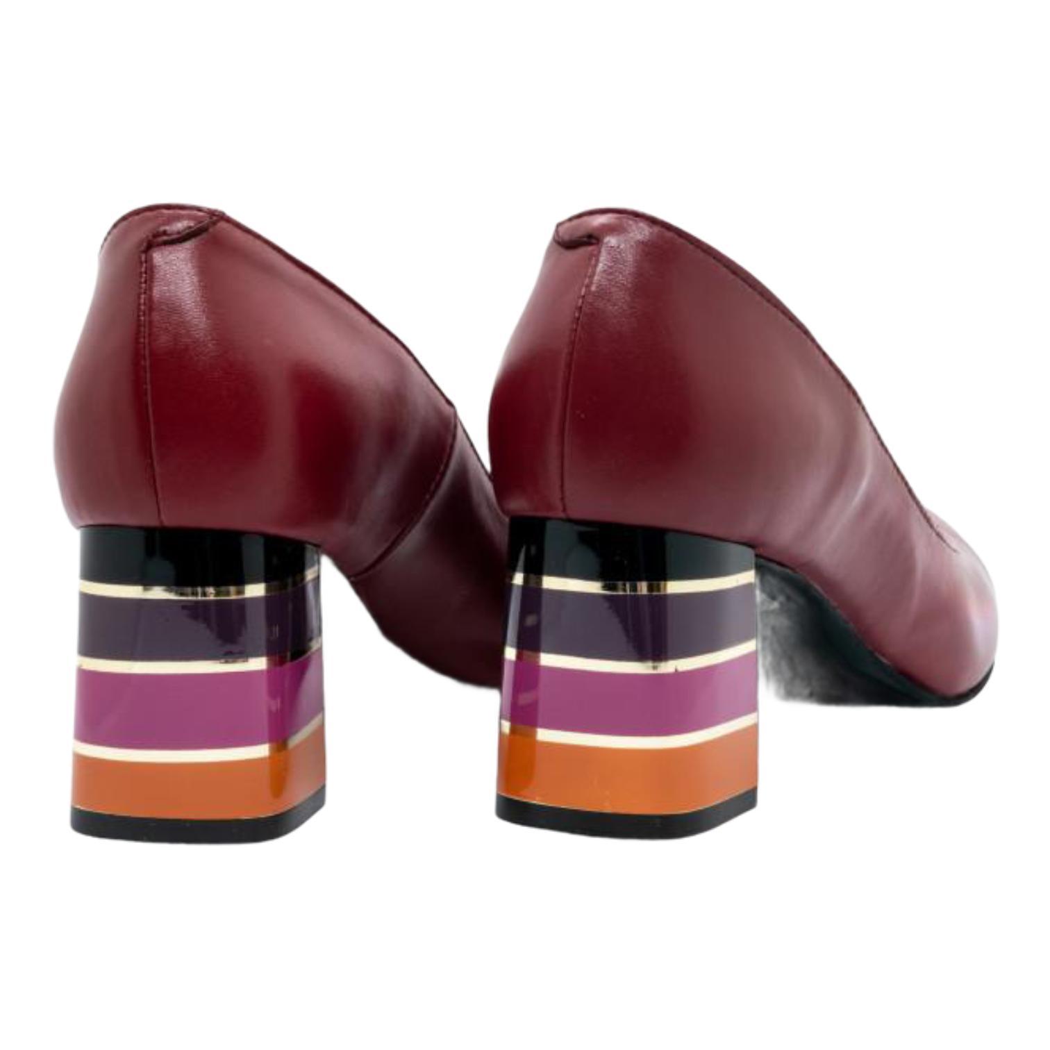 Pantofi bordo cu toc in dungi