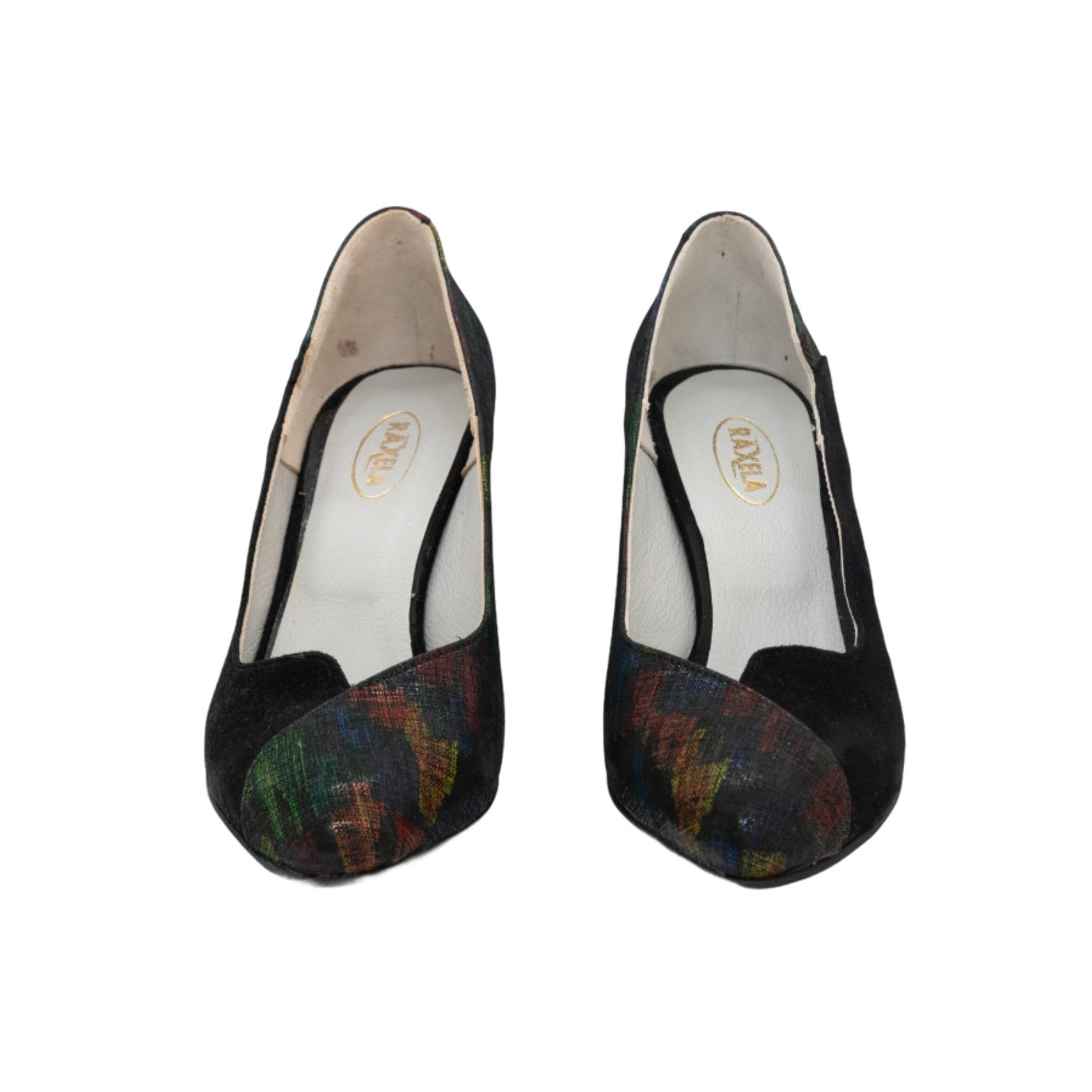 Pantofi negri cu model abstract