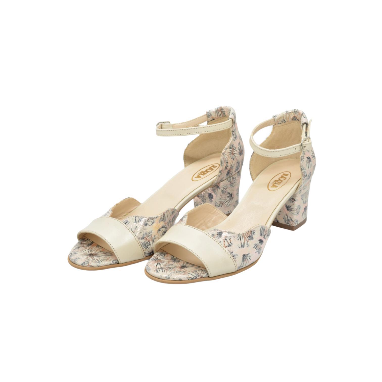 Sandale bej cu model floral