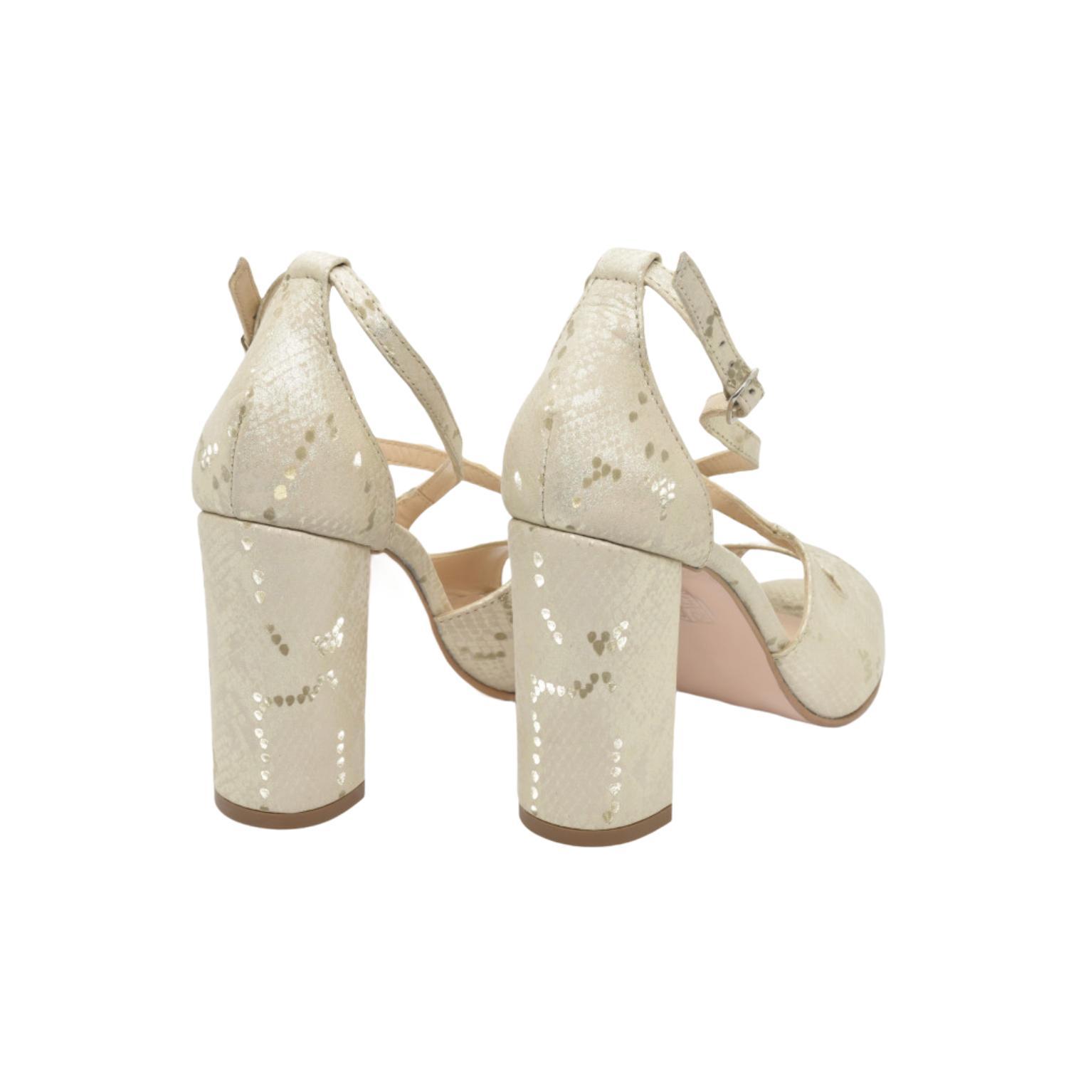 Sandale aurii cu imprimeu abstract si barete incrucisate