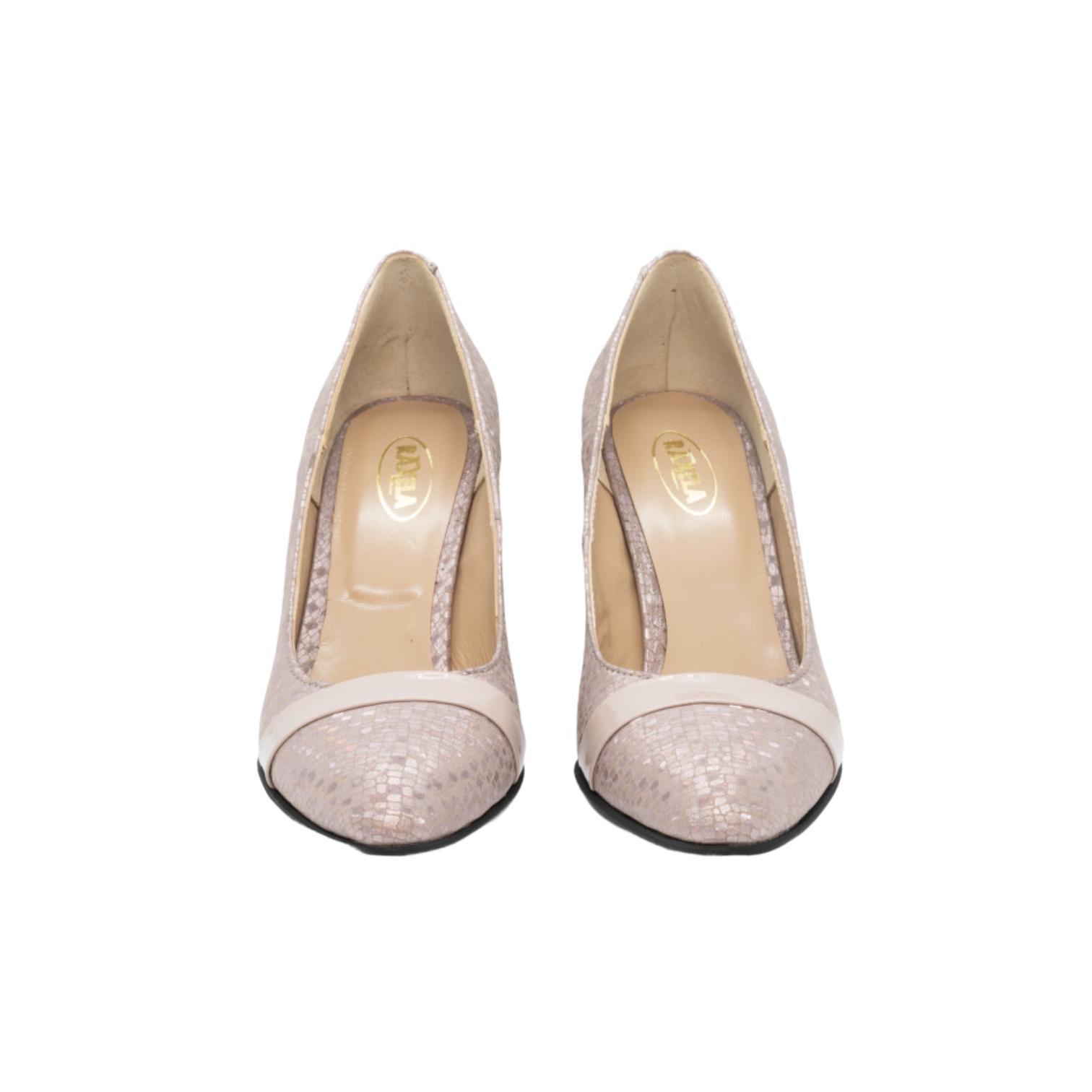 Pantofi cipria cu model abstract