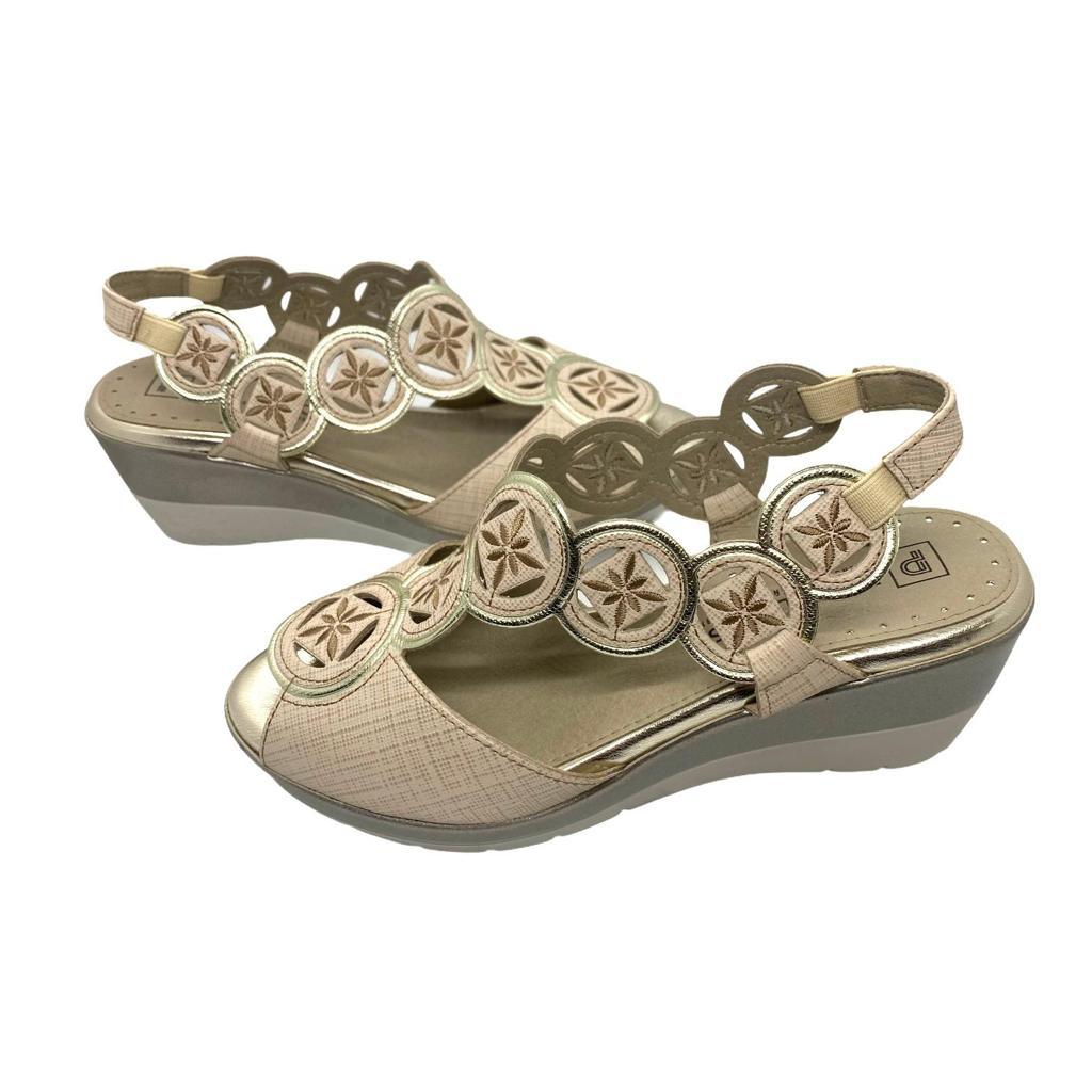 Sandale Pitillos aurii cu platforma