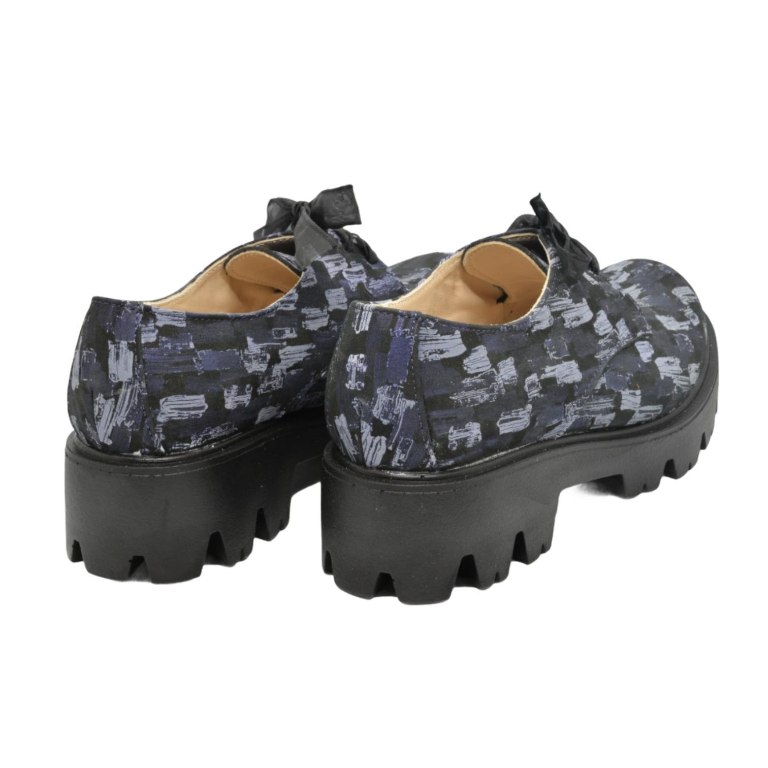 Pantofi bleumarin cu model abstract si platforma