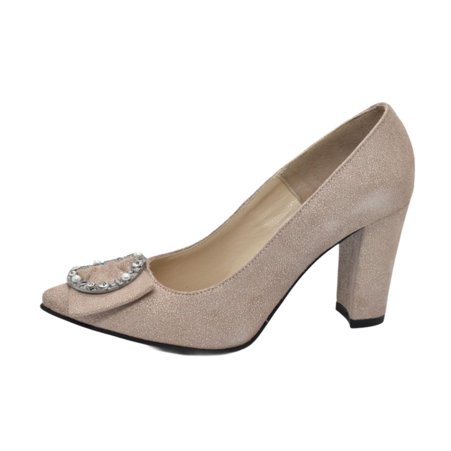 Pantofi bej cu tenta argintie si accesoriu