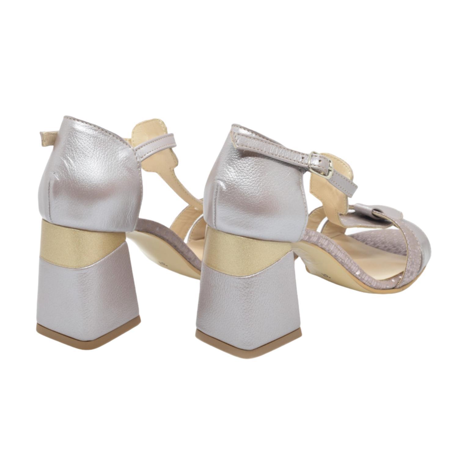 Sandale taupe cu model si toc evazat