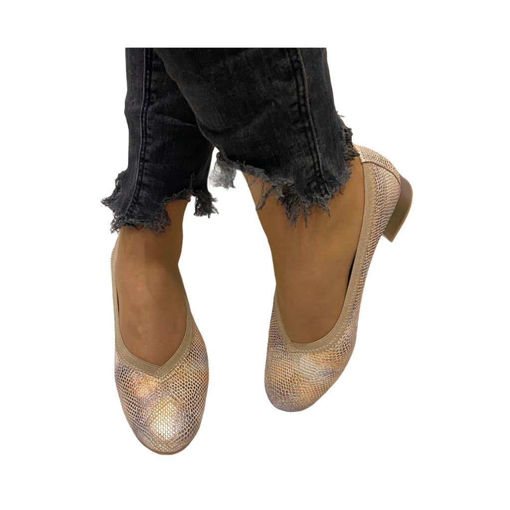 Pantofi Pitillos nude cu model tip sarpe