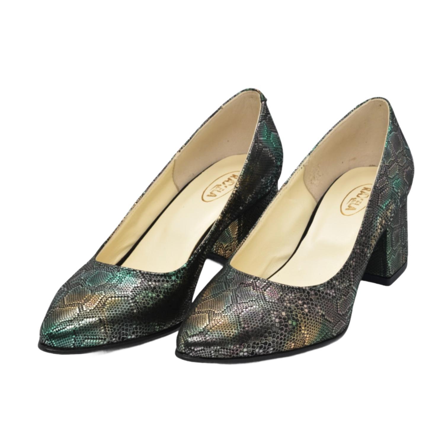 Pantofi verzi cu model abstract