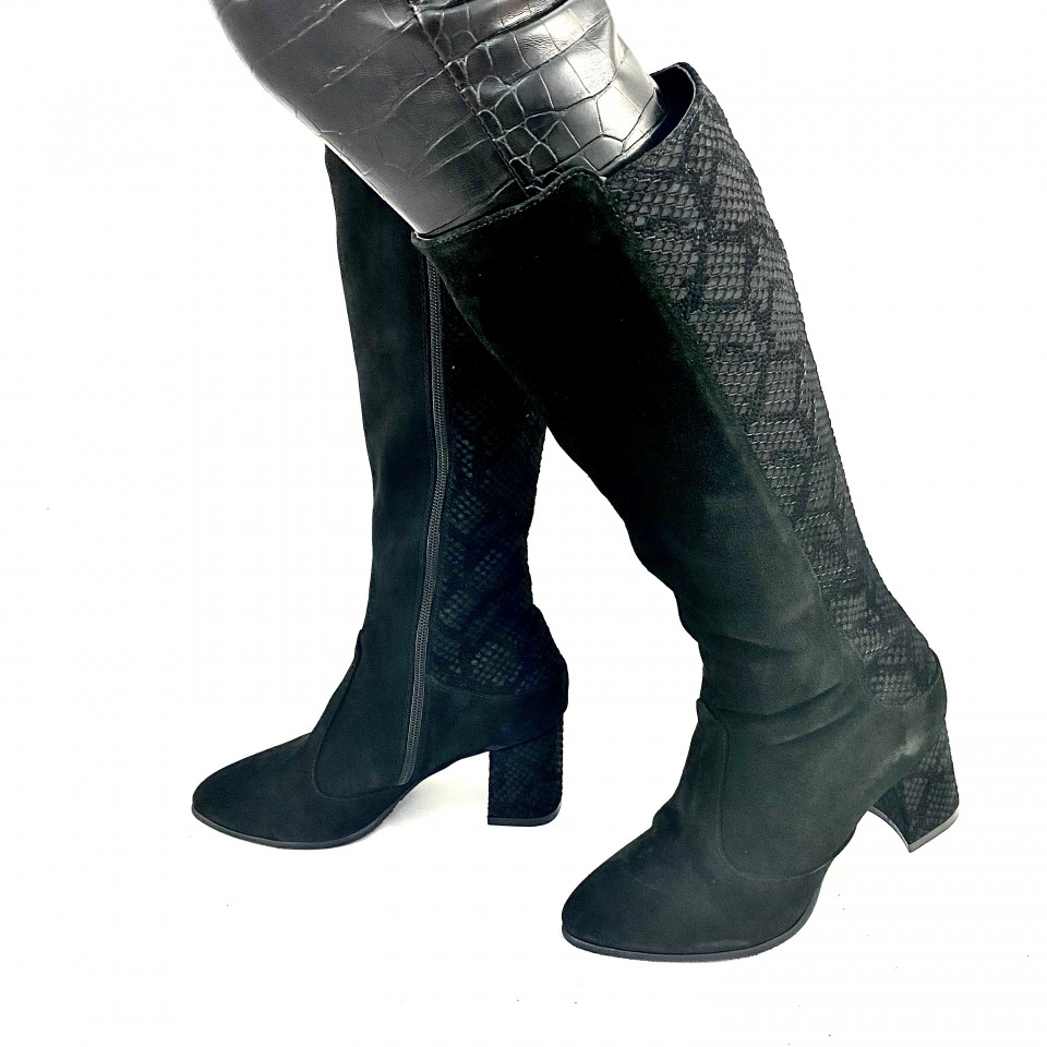 Cizme negre cu imprimeu piton
