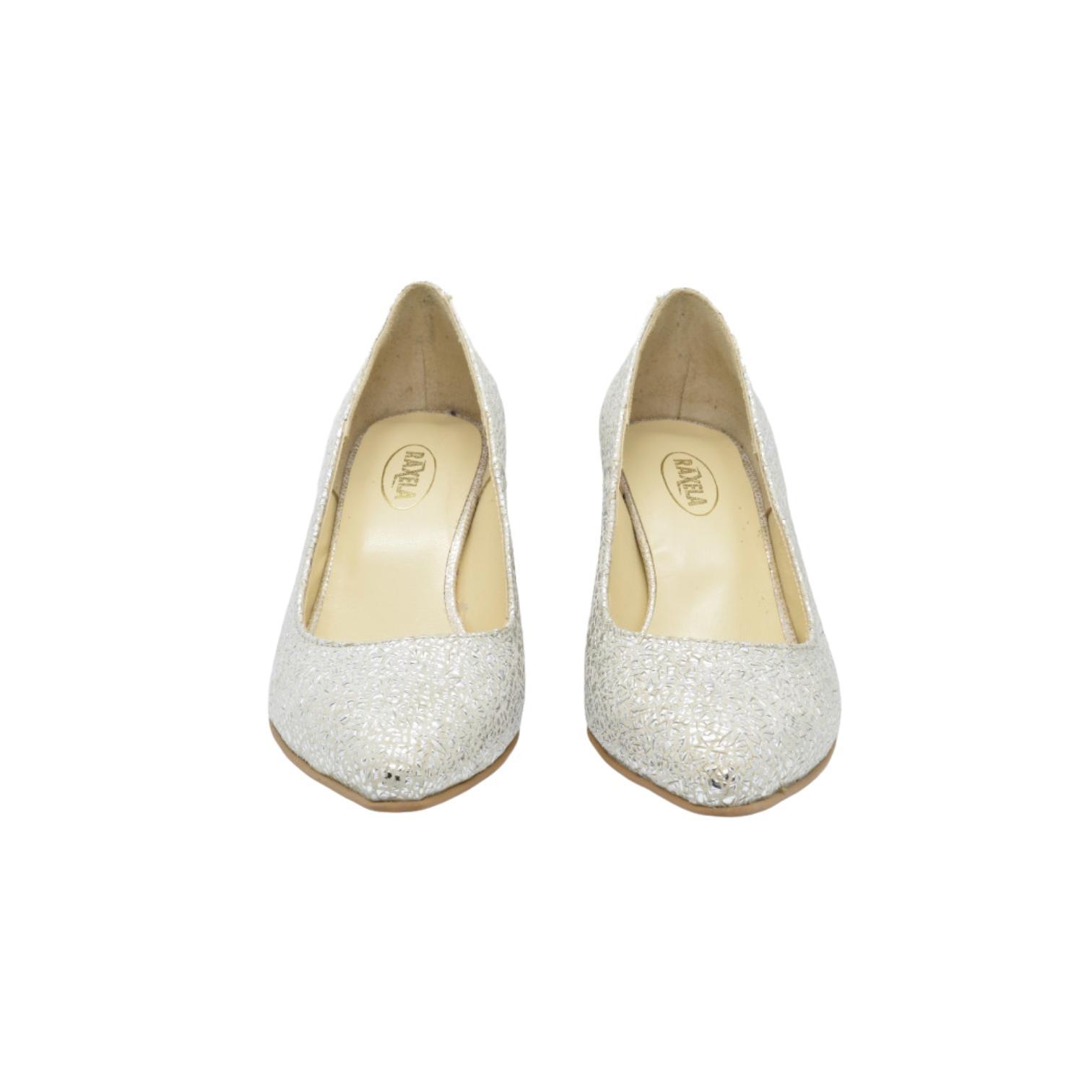 Pantofi bej cu imprimeu si toc stilizat