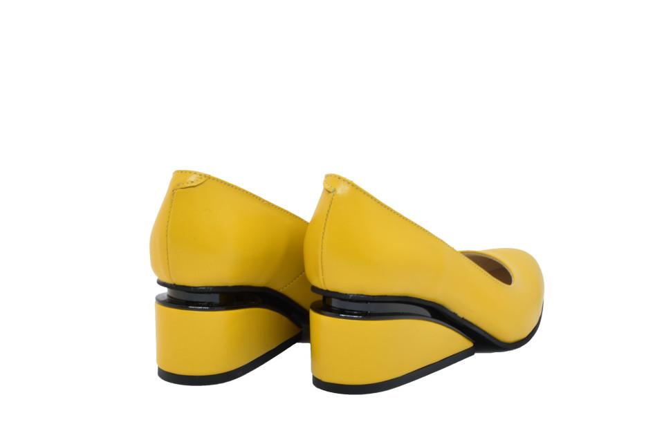 Pantofi galbeni cu toc ortopedic