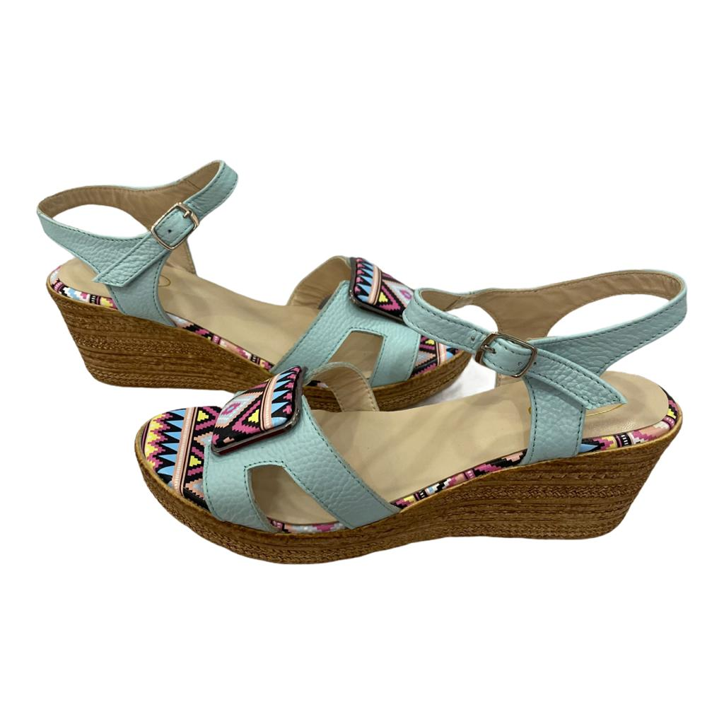 Sandale albastre cu accesoriu cu model colorat